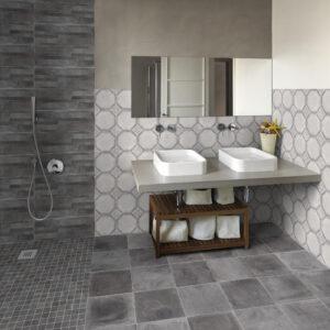 Flot badeværelse forskellige fliser